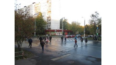 Диагональный пешеходный переход в Москве на пересечении Азовской и Сивашской улиц, введен в октябре 2014 года